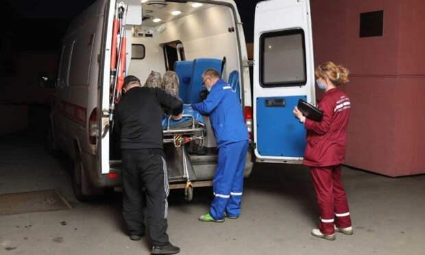 Выживших после катастрофы вертолёта в Белом море доставили в Архангельск