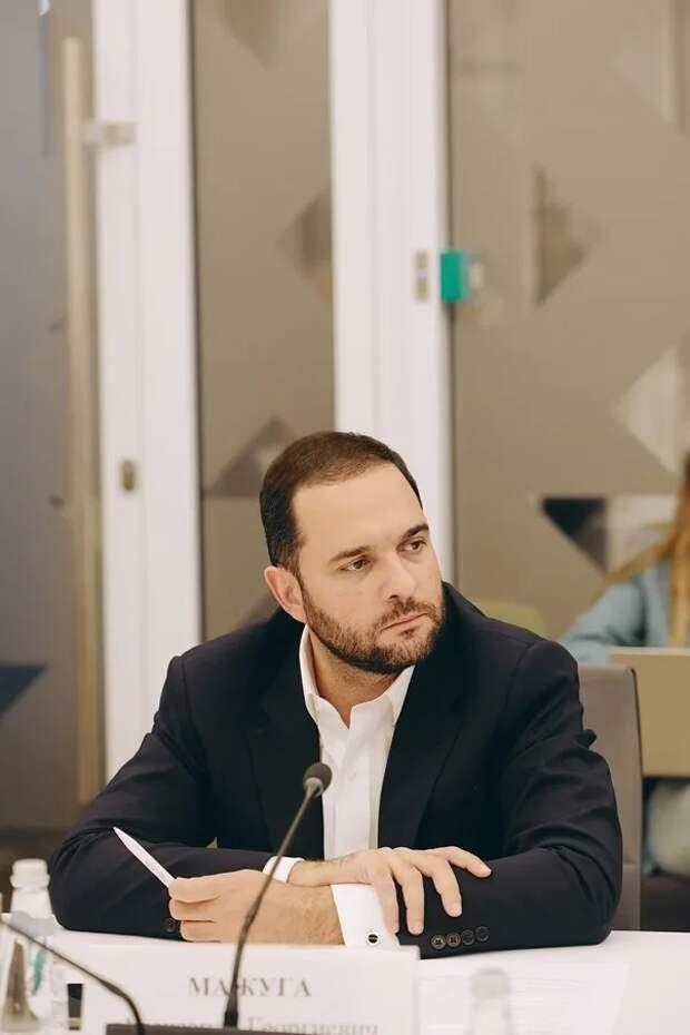 Профессор РАН Мажуга предложил обучать основам кибербезопасности в школах. Пресс-служба Общественной палаты Москвы