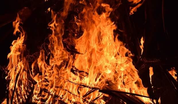 Труп молодого мужчины нашли в сгоревшей летней кухне в Ростовской области