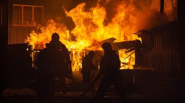 Один человек погиб при пожаре на юге Москвы
