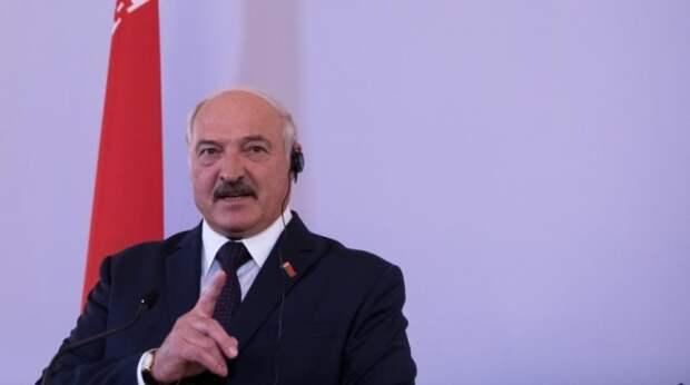 Лукашенко призвал разобраться с оккупацией Белоруссии Польшей