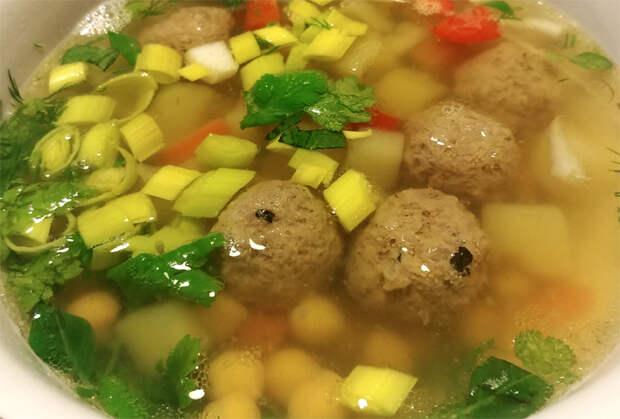 10 причин сварить суп с фрикадельками