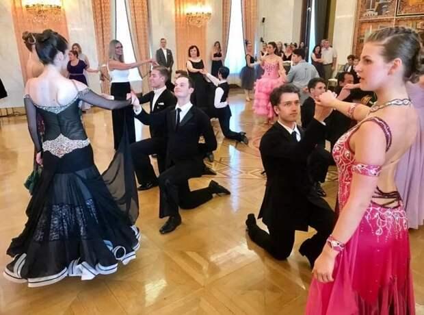 В российском посольстве в США прошел пушкинский бал