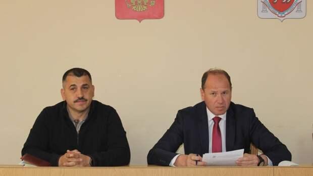 Олег Саннэ провёл совещание с главами администраций сельских поселений