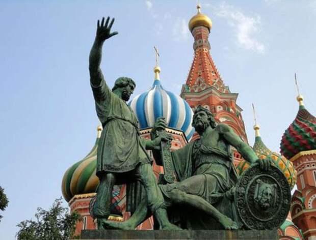 Назван процент россиян, знающих о Дне России