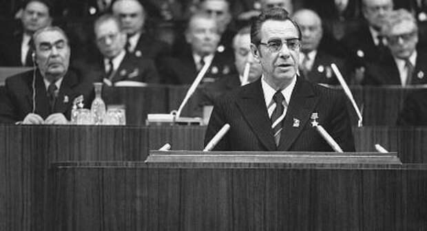 Пётр Машеров выступает на XXV съезде КПСС, 1976 год. <br>
