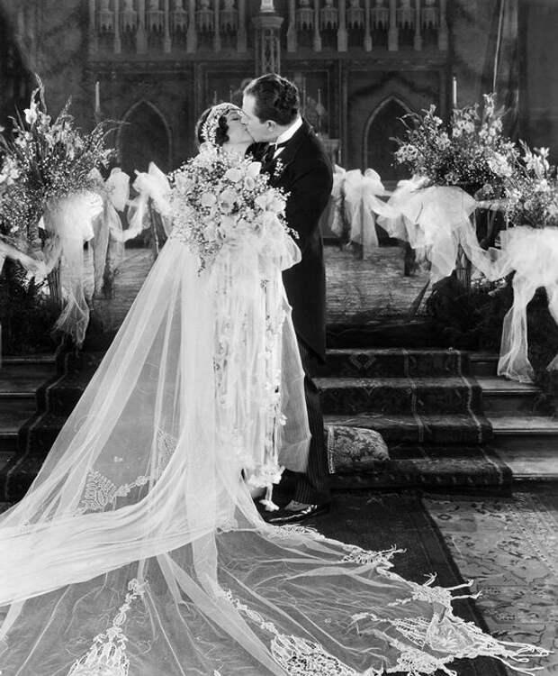 Нельзя показывать первую брачную ночь интересное, кино, постельные сцены