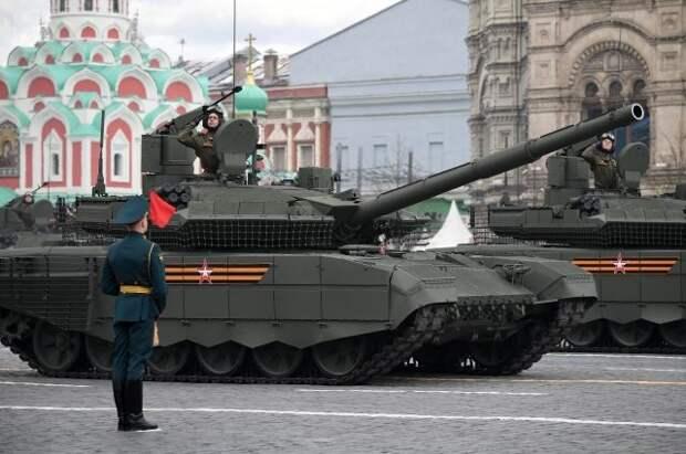На Красную площадь в Москве прибывает военная техника