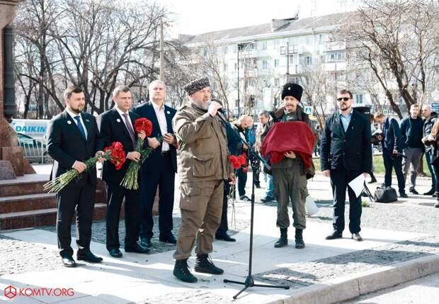 Глава ДНР Захарченко посетил Крым в годовщину референдума о присоединении к России 14