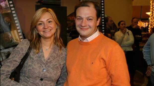 Пишут, что супруга телеведущего Сергея Брилёва тоже получила гражданство Великобритании