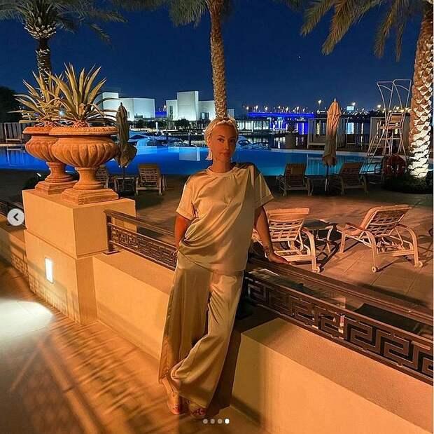 «Не верится, что через неделю 50 лет»: Лера Кудрявцева поразила молодостью и красотой