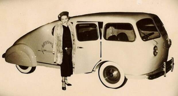 Несуразный клиновидный вагончик Mustang, собранный из деталей разных фирм. 1948 год авто, автодизайн, автомобили, дизайн, интересные автомобили, минивэн, ретро авто