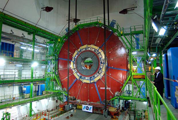 Новая частица из коллайдера грозит уничтожить всю физику
