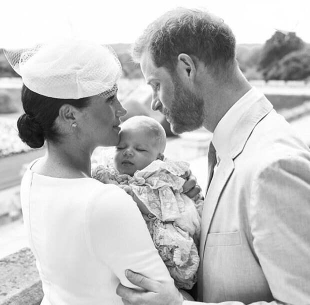 Сына принца Гарри и Меган Маркл крестили тайно