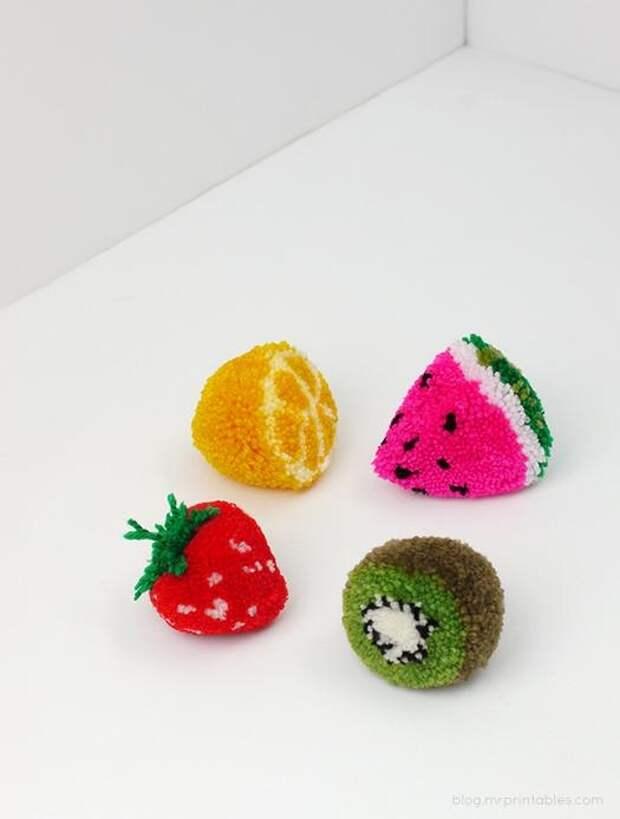 фото как сделать декоративные помпоны своими руками