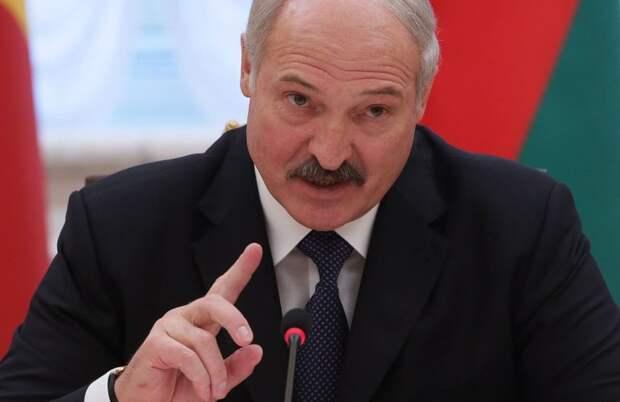 «Остановите своих безумцев» – Лукашенко напрямую обратился к народам Литвы, Польши и Украины