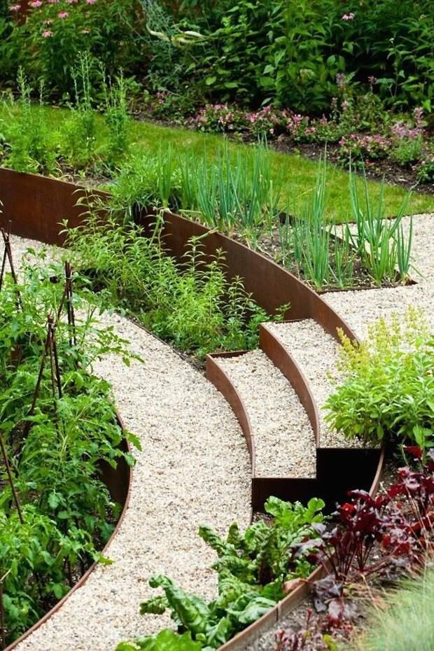 Гениальные садовые идеи с ржавым металлом