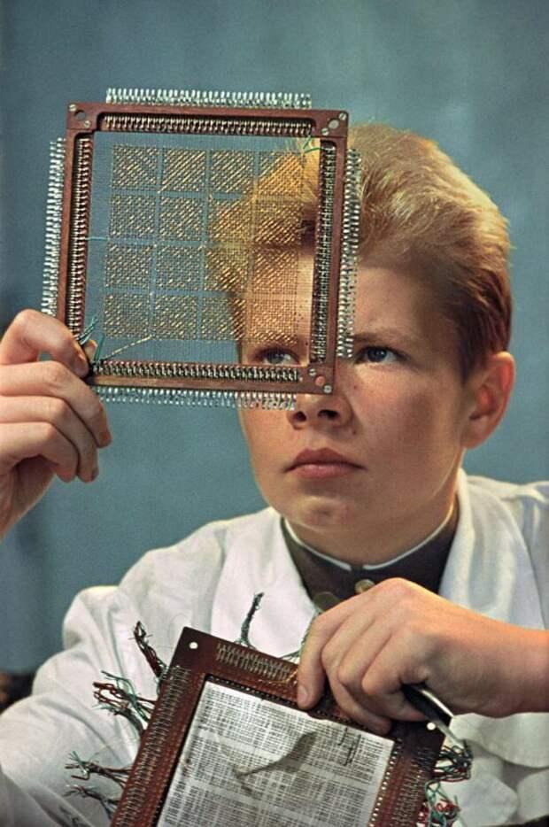 В радиокружке Математической школы №2, 1961 год, Москва история, ретро, фото
