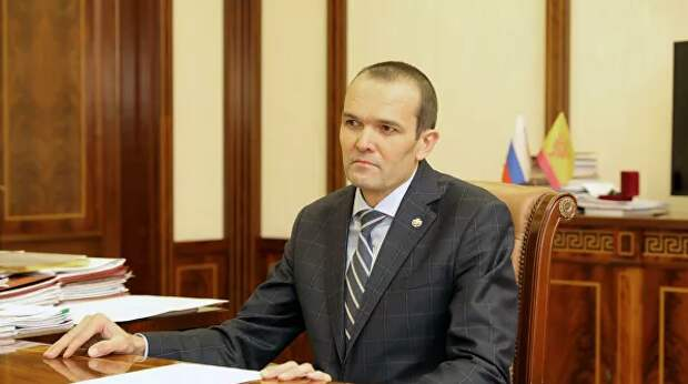 Экс-глава Чувашии оспорил указ Путина об увольнении в Верховном суде