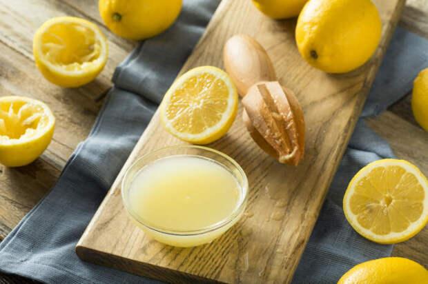 Лимонная цедра или сок станут полезным дополнением для выпечки. /Фото: reneeballard.com