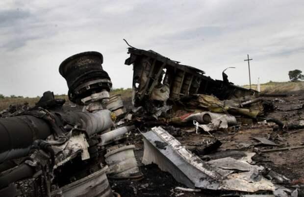 «Почему Западу не нужна правда?»: Жители ДНР почтили память погибших в катастрофе МН17