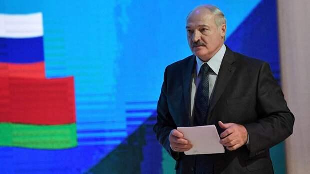 Лукашенко заявил о начале передачи полномочий президента Белоруссии