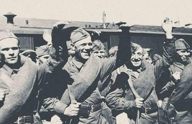 Первые месяцы войны: Уникальные фотографии, и рассекреченные материалы