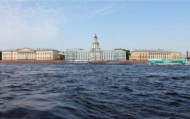 В Петербурге +21 в конце сентября: горожане раздеваются и шутят в Сети