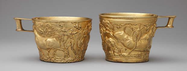 дикие быки-на чаше из гробницы Толос