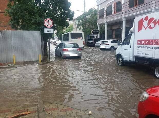 Краснодар снова затопило во время дождя