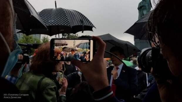 Полиция задержала маргиналов на незаконном митинге в Москве