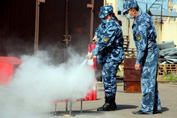 Занятие попожарной безопасности вЦентральной базе материально-технического ивоенного снабжения ФСИН