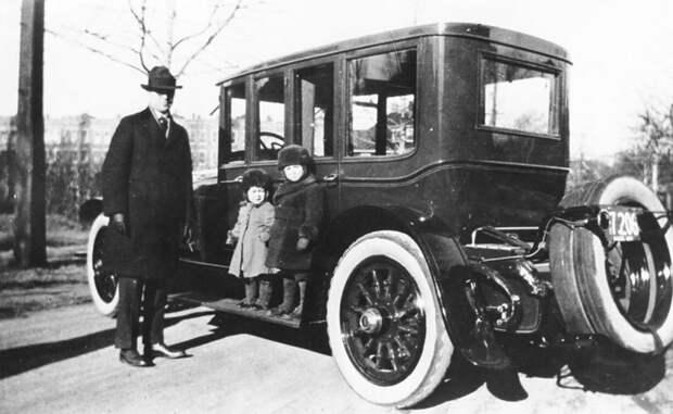 100 лет назад родился самый молодой президент США