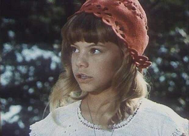 Красная шапочка-Поплавская не подвела – она пошла против либеральной тусовки
