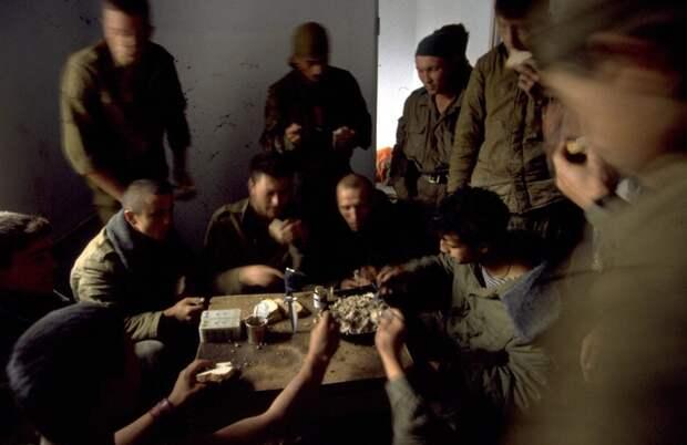 Спецназовцы в чеченских горах. 1995 год.