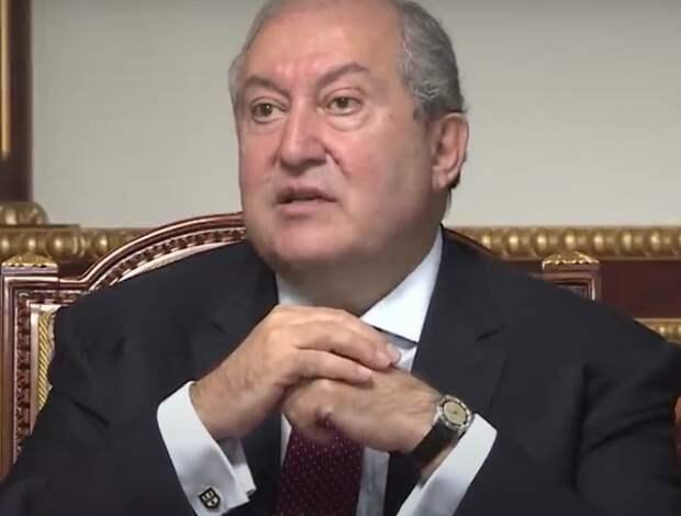 Президент Армении не подписал предложение Пашиняна о назначении нового главы Генштаба