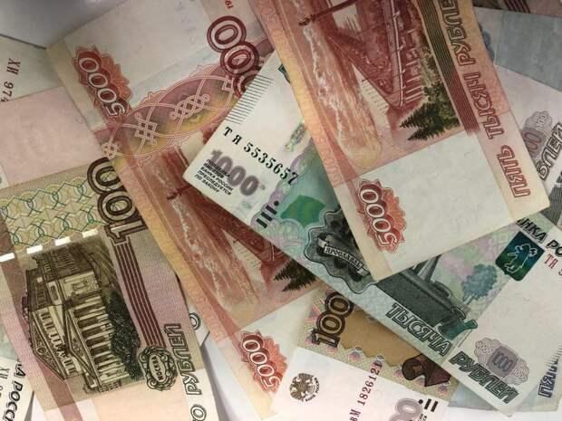 Французский политолог: Запад придумал миф о слабой российской экономике, чтобы «подбодрить себя»