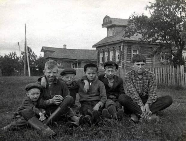 Местные пацаны.... деревня, история, факты