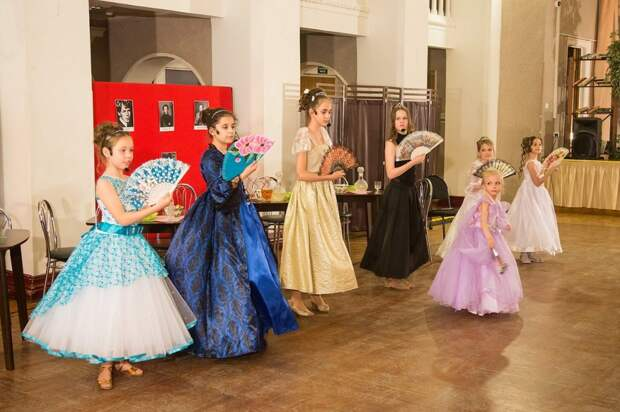 Спектакль «Царство теней» представят в школе на 9-й Северной линии Фото: КЦ «Северный»