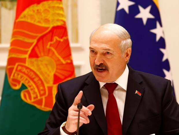 «Только паршивая собака не тявкает из-под забора в мою сторону» – Лукашенко вместо извинений накинулся на Россию