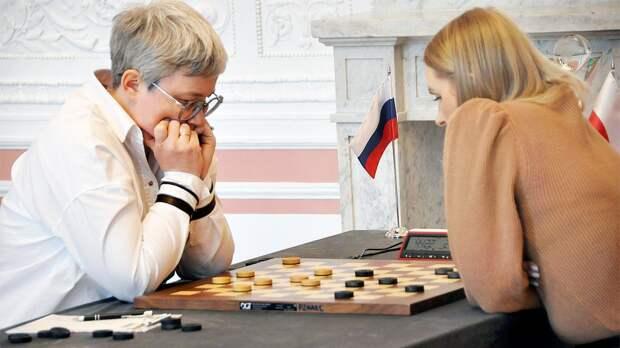 Россиянка Тансыккужина отыграла 12 очков в финале ЧМ по шашкам в Польше после скандала с флагом