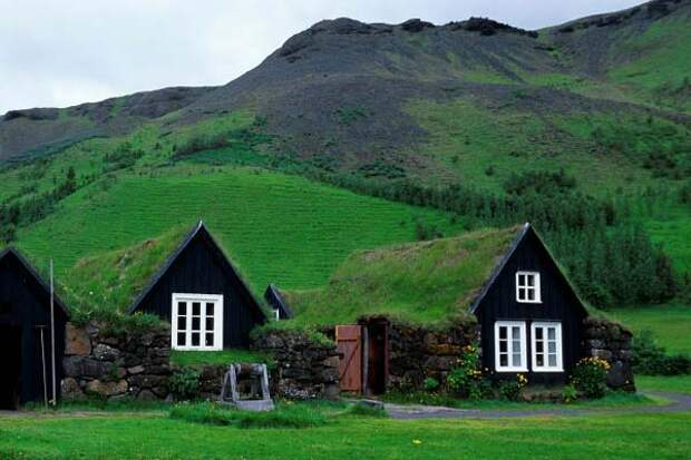деревня-музей Скоугар в Исландии