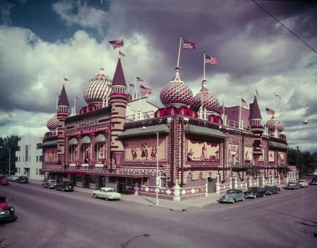 "Кукурузный дворец ""Corn Palace"", г.Митчелл, Южная Дакота,США. 1955 история, ретро, фото"