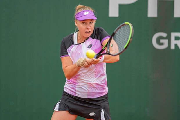 Блинкова проиграла Бронцетти в 1/8 финала турнире в Лозанне