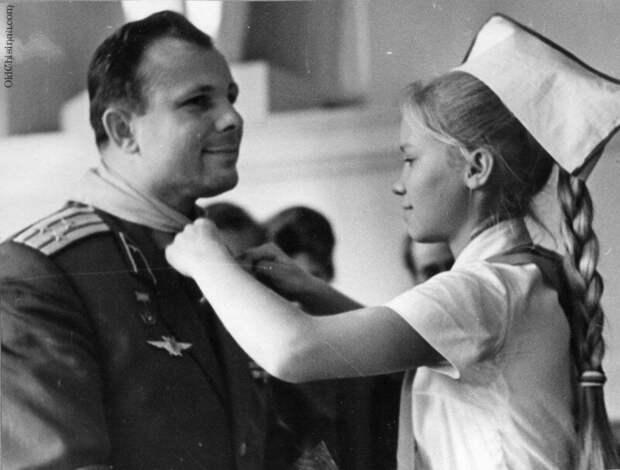 Почётный пионер Ю. А. Гагарин. 1966 история, ретро, фото