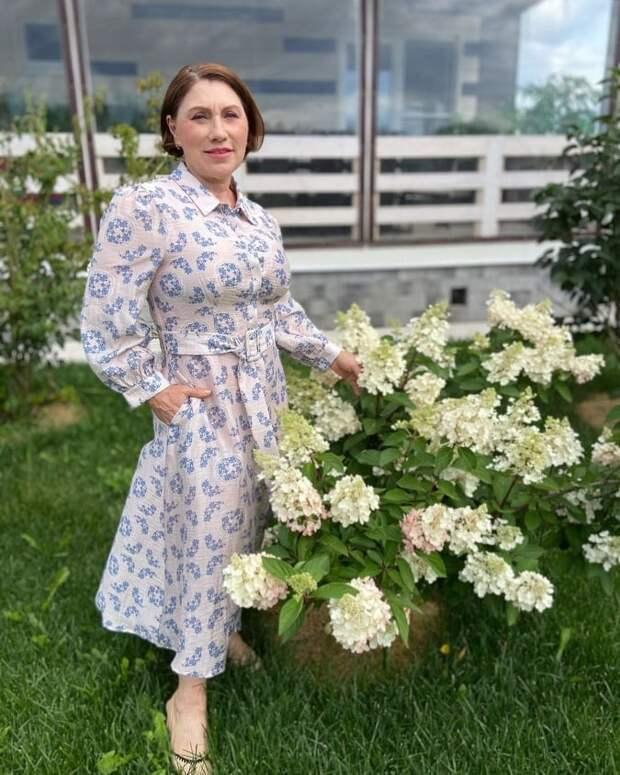 «Шикарная фигурка и пикантное тату!»: Роза Сябитова поделилась снимком в купальнике