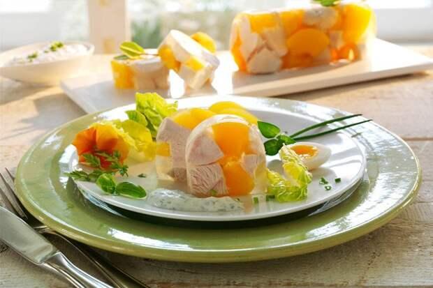 gourmet-hahnchensulze-mit-krauter-joghurt-sauce (640x427, 93Kb)