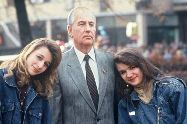 Портрет с президентом, 1990 год, Москва история, события, фото