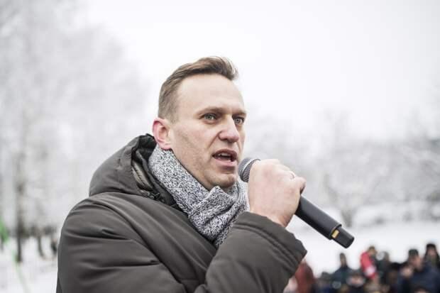 Навальный просит Запад ввести санкции против миллионов россиян