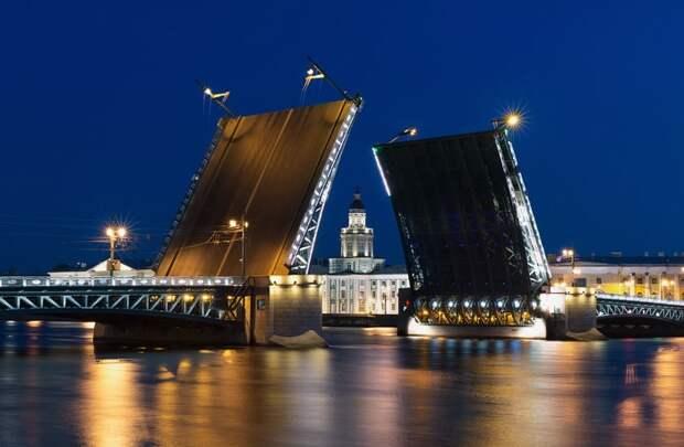 Дворцовый мост - интересные факты